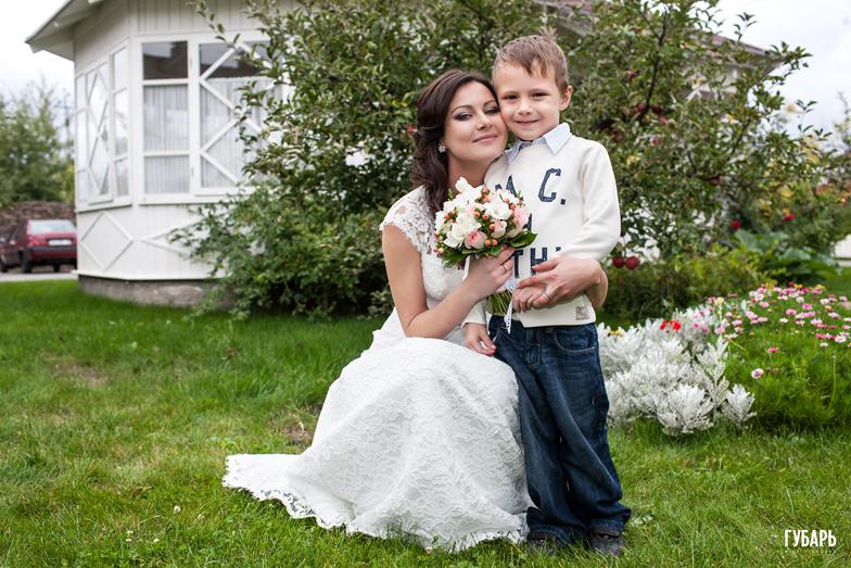 3Y4W1157 Свадьба, Бабушкин сад
