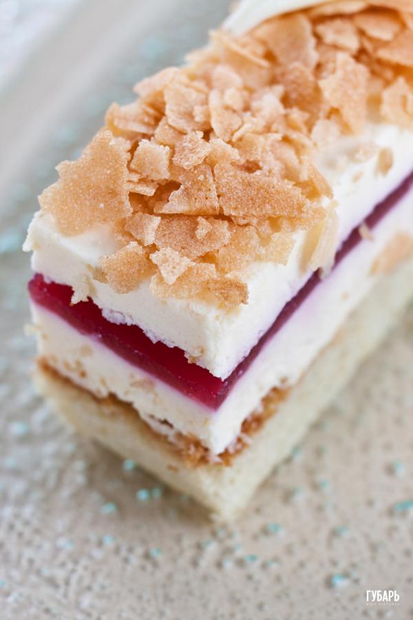 3Y4W2937 c Masha cake